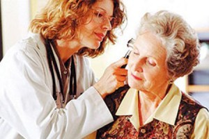 aparelho-auditivo-aparelhos-auditivos-surdez-na-terceira-idade-e-comum-e-deve-ser-tratada